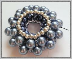 beaded donut pendant free pattern by Eridhan
