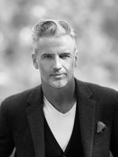 Handsome Gray Haired Man, for American Crew Grooming Products. American Crew, Hipster Man, Mode Masculine, Men With Grey Hair, Black Hair, Silver Foxes, Super Hair, Mature Men, Hair And Beard Styles