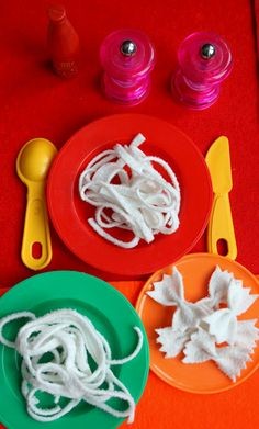"Felt ""pasta"" for imaginative play Cute Crafts, Diy Crafts For Kids, Play Kitchen Food, Felt Kids, Felt Play Food, Games For Toddlers, No Calorie Foods, Christmas Gifts For Women, Restaurant"