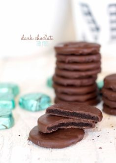 DARK Chocolate Thin Mints. In 5 minutes! {better than the real ones}