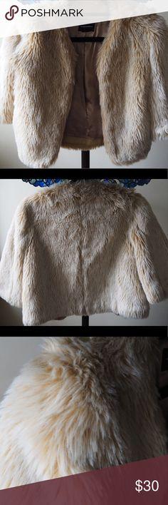 New Gymboree Girl  Joyful Holiday Faux Fur Shrug NWT XS 3-4