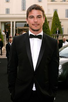 Josh Hartnett photos, including production stills, premiere photos and other event photos, publicity photos, behind-the-scenes, and more.