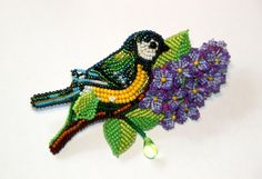 Amazing alive brooches by Lubov Beading Techniques, Embroidery Techniques, Beaded Brooch, Beaded Jewelry, Seed Bead Art, Native Beadwork, Beaded Crafts, Native American Beading, Beaded Animals