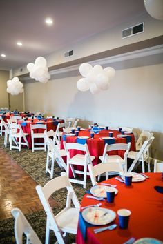 Guest tables from a Time Flies Airplane Birthday Party. I really love these white balloons put together to look like clouds Boy First Birthday, First Birthday Parties, Planes Birthday, Airplane Birthday Themes, Birthday Ideas, Planes Party, Time Flies Birthday, Vintage Airplane Party, Vintage Birthday Parties