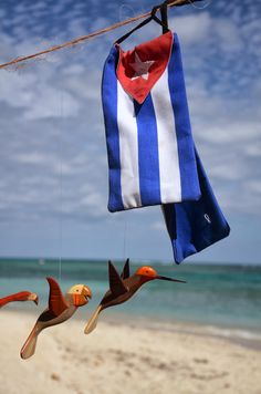 #Handmade Cuba #beachbags are all the rage these days and, one of these #beauties will make you the most patriotic #Cuba #lover in your city! www.AllAboutCuba.com
