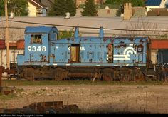 Net Photo: CR 9348 Conrail EMD at Altoona, Pennsylvania by J Jauchler Altoona Pennsylvania, Vintage Trains, Rust In Peace, Abandoned Train, Norfolk Southern, Rail Car, Rolling Stock, Thomas And Friends, Jeep Life