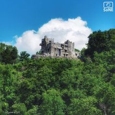 Connecticut  Pic of the Day 09.03.15  Photographer @ljoyce_12  Congratulations!   A castle and a cloud.  #scenesofCT #gillettecastle #easthaddam #riverboat #beckythatcher #ctvisit #explore #adventure #coastalconnecticut  #connecticutgram