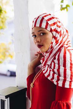 hijab is beautiful Hoods, Sisters, Red, Blog, Beautiful, Fashion, Moda, Cowls, Fashion Styles