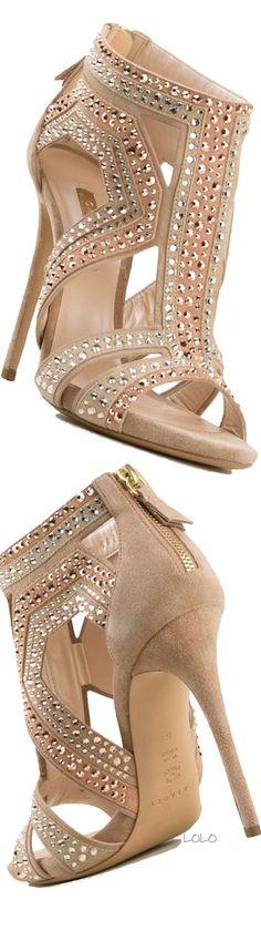 Jimmy Choo Shoes ~Latest Trendy Luxurious Women's Fashion -shoes , Bags etc. Dream Shoes, Crazy Shoes, Me Too Shoes, Pretty Shoes, Beautiful Shoes, Zapatos Shoes, Shoes Heels, Louboutin Shoes, Stilettos