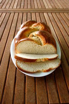 Pan de leche Bread, Food, Bonbon, Pebble Stone, Pie, Breads, Baking, Meals, Yemek