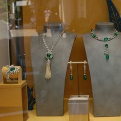 @mariigem On the way , Cartier at window #cartier #necklace #bracelet #ring #emerald #pearl #whitegold