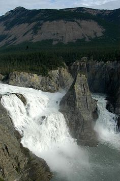 The Virginia waterfalls in Nahanni National Park Reserve, Northwest Territories, Canada. The falls are twice the height of Niagara falls. Virginia Waterfalls, Virginia Fall, Rio, Northwest Territories, Parc National, Canada Travel, World Heritage Sites, North West, The Great Outdoors