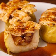 Este Pie de Manzanas Rellenas es muy delicioso, combina la Manzana y la Canela a la perfección. ¡Pruébalo! Peach Pie Recipes, Apple Recipes, Cheesecake Recipes, Mexican Food Recipes, Dessert Recipes, Holiday Appetizers, Cooking Recipes, Healthy Recipes, Yummy Snacks