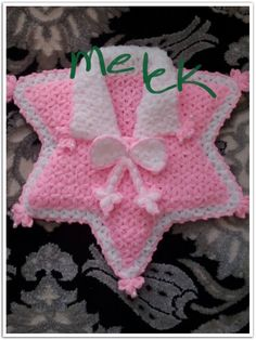 This Pin was discovered by Kez Easy Knitting Patterns, Crochet Patterns, Crochet Girls Dress Pattern, Ladoo Gopal, Crochet Yarn, Crochet Clothes, Baby Knitting, Diy And Crafts, Christmas Ornaments