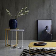 Kleiner Design Beistelltisch Sissi von Novamobili aus Italien.  #tisch #beistelltisch #couchtisch #wohnzimmer #schlafzimmer #table #livingroom #interiordesign #möbel