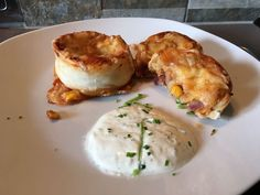 Pizzaschnecken #waskochen Snacks, Pesto, Baked Potato, Eggs, Potatoes, Baking, Breakfast, Ethnic Recipes, Food