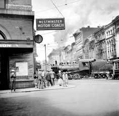 🇨🇦 CPR train crossing Hastings at Carrall, 1932 Source: Photo by William Stark, City of Vancouver Archives 🎞 Vancouver City, Vancouver Island, Canadian Pacific Railway, Fraser Valley, Old Photos, Vintage Photos, Most Beautiful Cities, Local History, Westminster