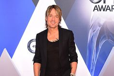 Why Keith Urban Deserves to Win 2017 CMA Entertainer of the Year