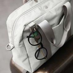 Basic Daily Messenger Bag