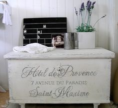 Old French writing makes an old chest a lot nicer. must do this to mine!