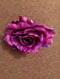 Purple stemless roses: 15