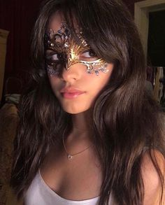 Camila's behind the scenes for the music video (via Allan Avendaño) ✨ Camila Cabello e Shawn Mendes foram almoçar hoje em Studio City. Cabello Hair, Camila And Lauren, Fifth Harmony, Shawn Mendes, My Girl, Beautiful People, Beautiful Things, Halloween Face Makeup, Beauty