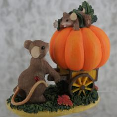 NIB 4023629 Charming Tails How Quickly Our Little Pumpkins Become Big Mice