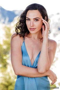 Gal Gadot Varsano is an Israeli actress and model. Beautiful Celebrities, Beautiful Actresses, Beautiful Women, Gal Gardot, Gal Gadot Wonder Woman, Alexandra Daddario, Woman Crush, Hollywood Actresses, Beauty Women