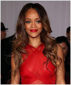 Rihanna @ 2013 Grammy Awards Photos – Makeup, Dress, Hair