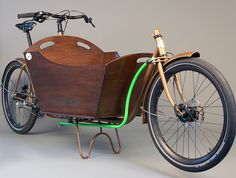 lovely cargo bike>>BWAHAHAHA!!! For those quick trips to the farmer's market!
