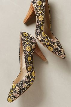 seychelles embroidered pumps - awesome with skinny black jeans and a chambray top! #anthrofave
