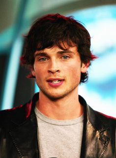 Tom Welling Smallville, Male Gender, Clark Kent, Attractive People, Pretty Men, Beautiful Smile, Perfect Man, Mtv, My Boys