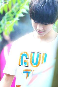 Vương Tuấn Khải siêu cấp đẹp trai