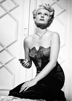 """Rita Hayworth for """"The Lady From Shanghai"""" (1946)"""