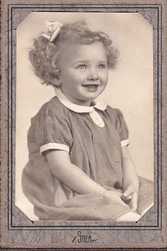 +~+~ Antique Photograph ~+~+   Young Girl 'Sassy Sadie'.