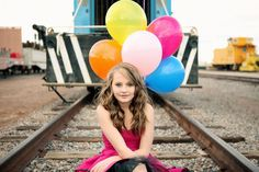 Senior pictures of Jayna by Promise Tangeman.