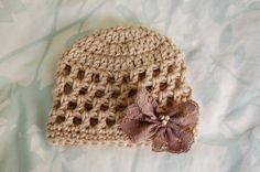 Alli Crafts: Free Pattern: Open Stitch Hat - Premie also Newborn and 3 month sizes Preemie Crochet, Crochet Cap, Baby Girl Crochet, Crochet Baby Hats, Crochet Beanie, Love Crochet, Crochet For Kids, Loom Knitting, Baby Knitting