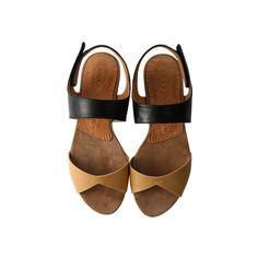 【ELLE SHOP】バイカラーフラットサンダルベージュ×ブラック|チエ ミハラ(CHIE MIHARA)|ファッション通販 エル・ショップ (£275) ❤ liked on Polyvore featuring shoes, sandals, heels, flats, footwear, flat heel shoes, chie mihara sandals, chie mihara shoes, flats sandals and flat shoes