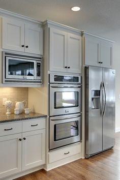 Kitchen Pantry Design, Kitchen Redo, Modern Kitchen Design, Home Decor Kitchen, Kitchen Interior, Home Kitchens, Kitchen Cabinets For Microwave, Kitchen Layout Design, Best Kitchen Layout