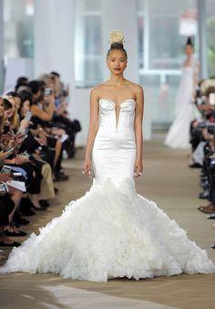 9c1da8334632 Tendance Robe du mariage 2017 2018 - Scoop neckline trumpet wedding dress.  Bridal StyleInes Di Santo ...