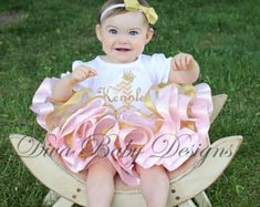 Pink and gold first birthday outfit girls Gold First Birthday Outfit, Pink And Gold, First Birthdays, Girl Outfits, Pretty, Girls, Handmade, Stuff To Buy, Baby Clothes Girl