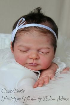 This item is not eligible for discounts or coupons. We love this lovely new sleeping baby by Elisa Marx. Ylenia is an adorable sleeping sculpt. The kit has