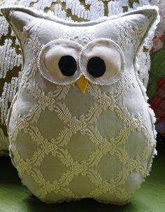 Owl Pillow @abigail duczek