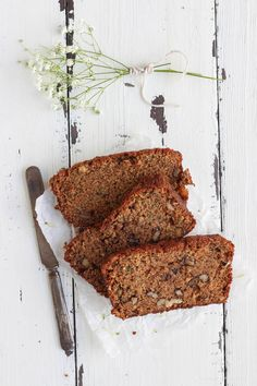This Zucchini Bread recipe is perfection! Moist, sweet, and so delicious! | LoveGrowsWild.com