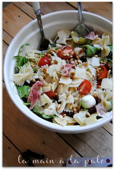 Italian pasta salad - Hand in dough - -You can find italian and more on our website.Italian pasta salad - Hand in dough - - Meat Recipes, Pasta Recipes, Salad Recipes, Chicken Recipes, Cooking Recipes, Healthy Recipes, Pasta Salad Italian, Salad Bar, Food Inspiration
