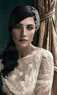Used Tiara/Hair Accessory: buy this dress for a fraction of the salon price on PreOwnedWeddingDresses.com