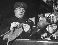 Off-duty cabbie knitting for the war effort. London, 1940s - from Stitch Diva Studios