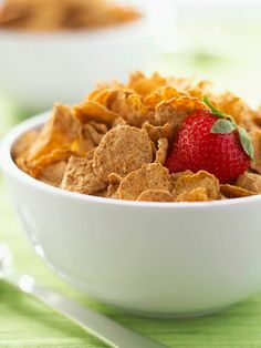 Find out the 10 healthiest #cereals that will start your day off right! #breakfast #health