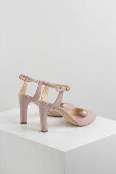 KACHOROVSKA / beige leather wedding sandals Beige, Sandals, Leather, Wedding, Shoes, Fashion, Valentines Day Weddings, Moda, Shoes Sandals