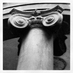 Cool Corinthian columns take me back